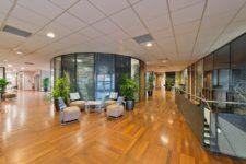 Accueil et hall du centre d'affaires JDS Center à Lyon